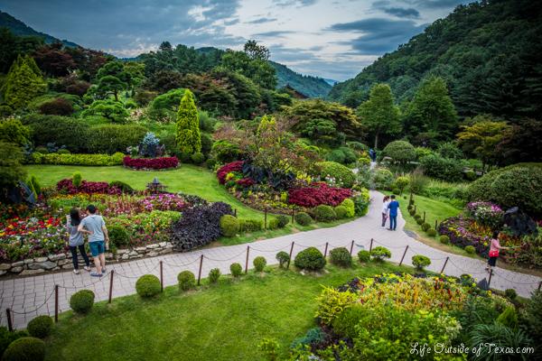 Garden-of-the-morning-calm-3
